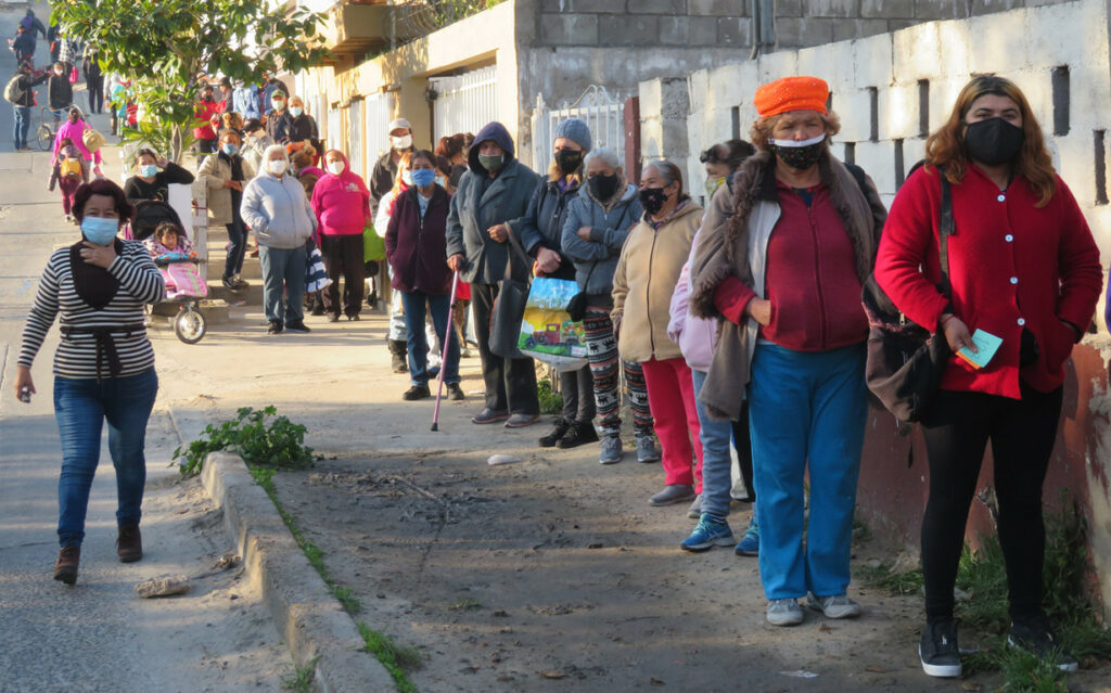 lines outside the casa